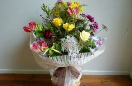 Mixed roses garden bouquet